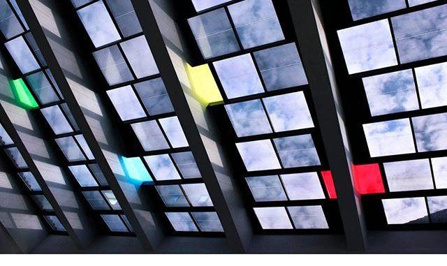 The Dawn of Solar Windows in Building: Semi-Transparent Solar Panel | Solar  Edition
